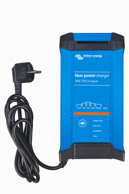 Blue Power IP22 Charger 24/16 (1)
